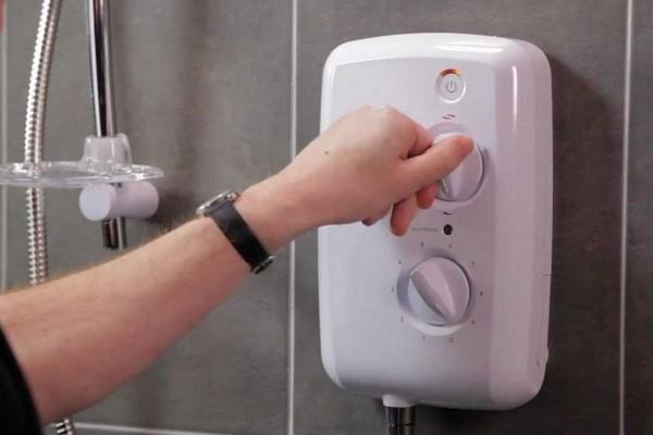 Sửa máy nước nóng Quận 8 bảo hành dài hạn