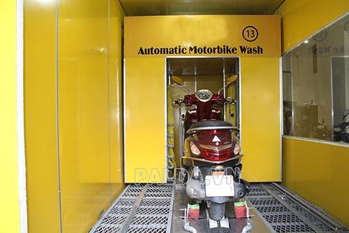Lý do hệ thống rửa xe máy tự động thu hút người dùng