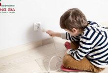 An toàn điện cho trẻ em và cách sơ cứu khi điện giật